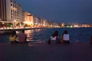 Die Uferpromenade am Abend.